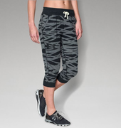 UNDER ARMOUR UA TRIBLEND PRINTED CAPRI 1264267-001 női 3/4-es nadrág
